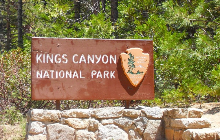 Welcome sign at Kings Canyon National Park